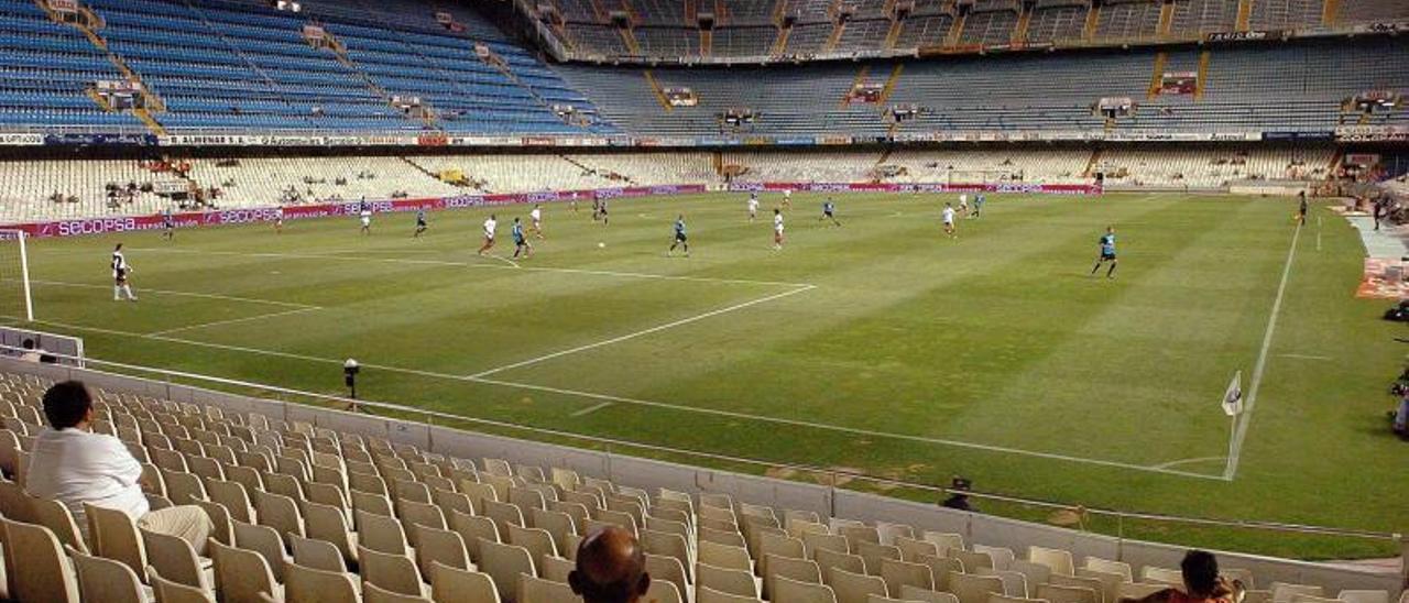 El  campo de Mestalla con la ampliación de las gradas al fondo. | M.M.