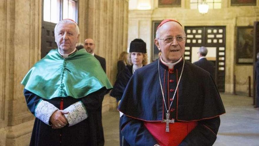 """La curia destaca el """"impulso"""" de los dos últimos papas para esclarecer abusos"""