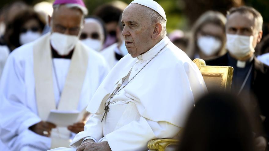 """El Papa Francisco evoluciona """"satisfactoriamente"""" de la operación de colon"""