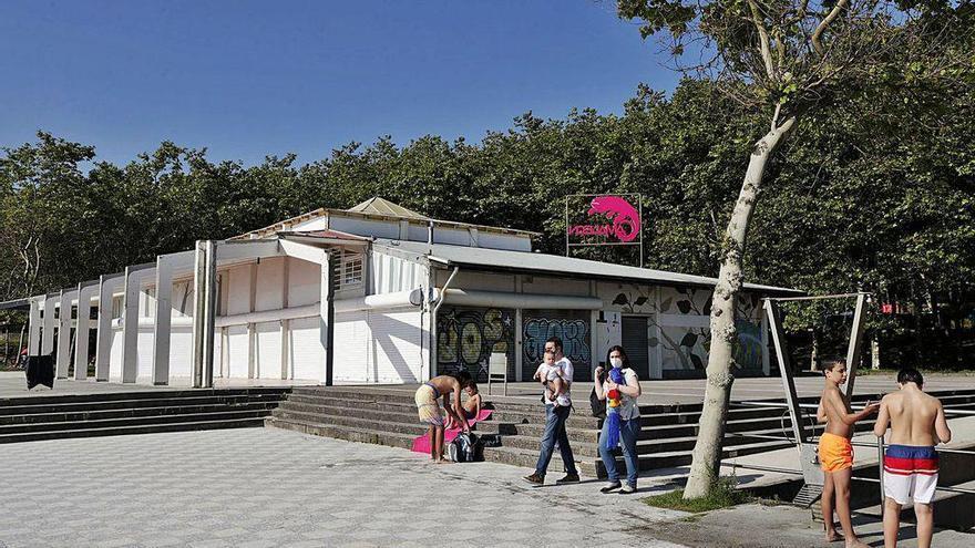 """El Concello abre la puerta a una nueva cafetería en Samil: """"Queremos edificios modernos, livianos y compatibles"""""""