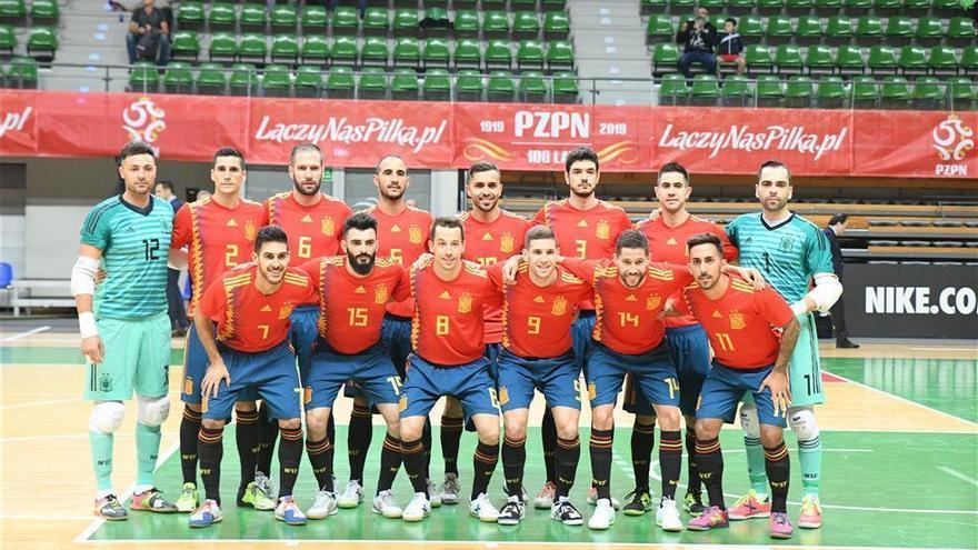 España debuta con victoria en su camino al Mundial
