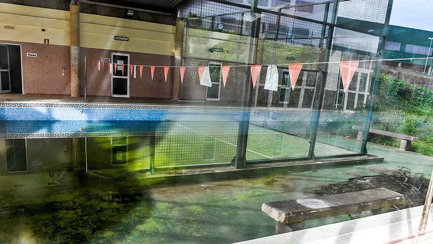 Firgas se queda sin la piscina municipal y gana un nuevo gimnasio