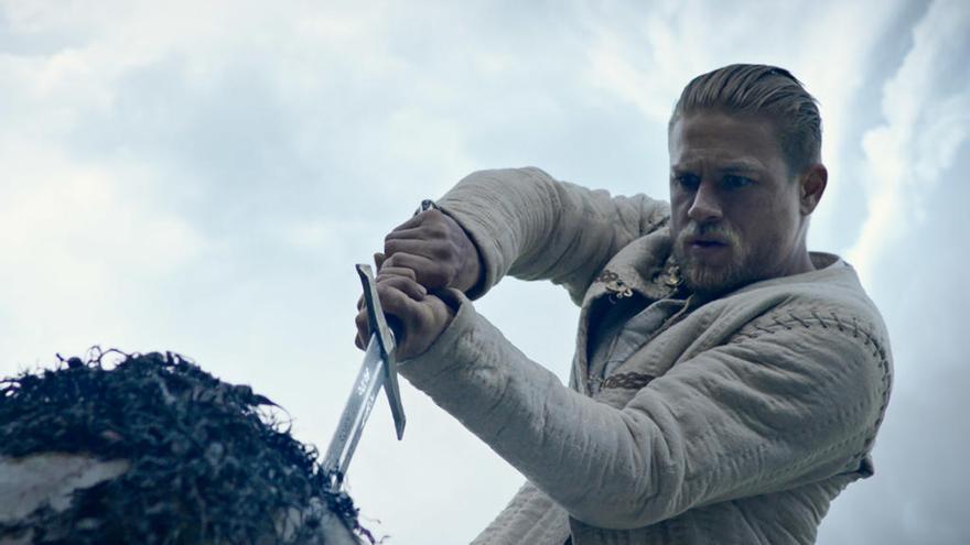 ESTRENES: La llegenda del Rei Artur torna al cinema en una polèmica adaptació