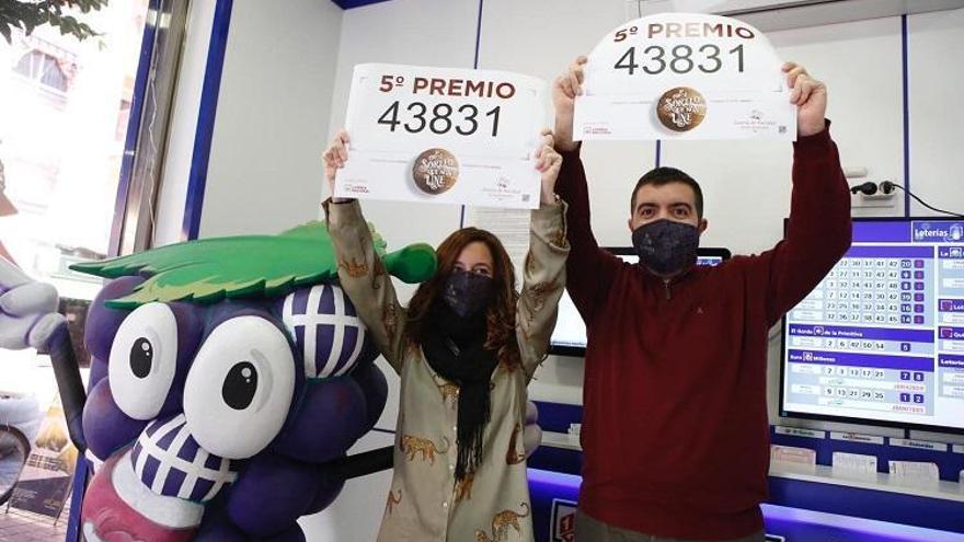 Lotería de Navidad 2020 en Córdoba: El penúltimo quinto deja un pellizco de 12.000 euros en La Viñuela y avda. de América