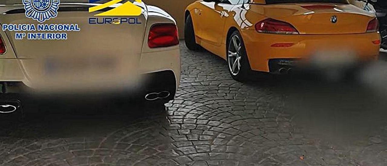 Secuencia de imágenes de la operación realizada esta semana por la Policía Nacional, y en la que se han intervenido coches de lujo, dinero y armas.