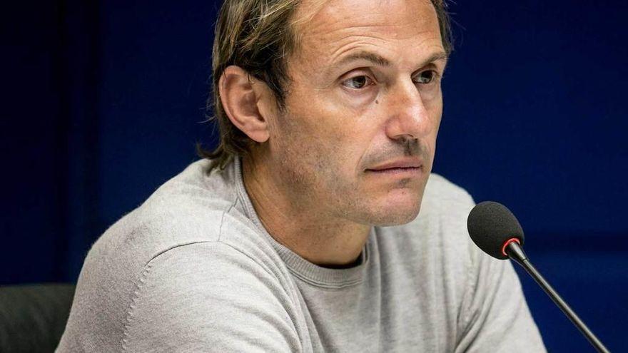 Fallece Francesc Arnau, director deportivo del Oviedo y exportero de Barcelona y Málaga
