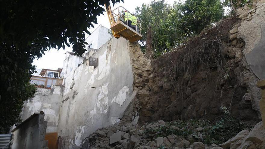 Continúan a contrarreloj los trabajos de emergencia por el derrumbe de la muralla en San Fernando