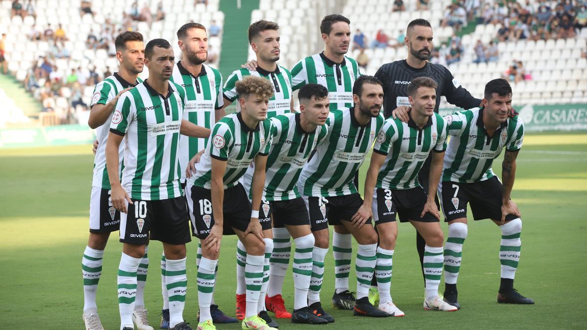 Equipo titular del Córdoba CF que debutó esta temporada en Chapín y que repitió en El Arcángel, el pasado domingo, ante el Cádiz B.