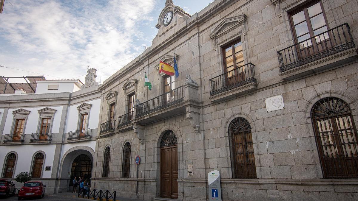 El Ayuntamiento de Pozoblanco tiene 12,15 millones de remanente y rebaja la deuda un 30%