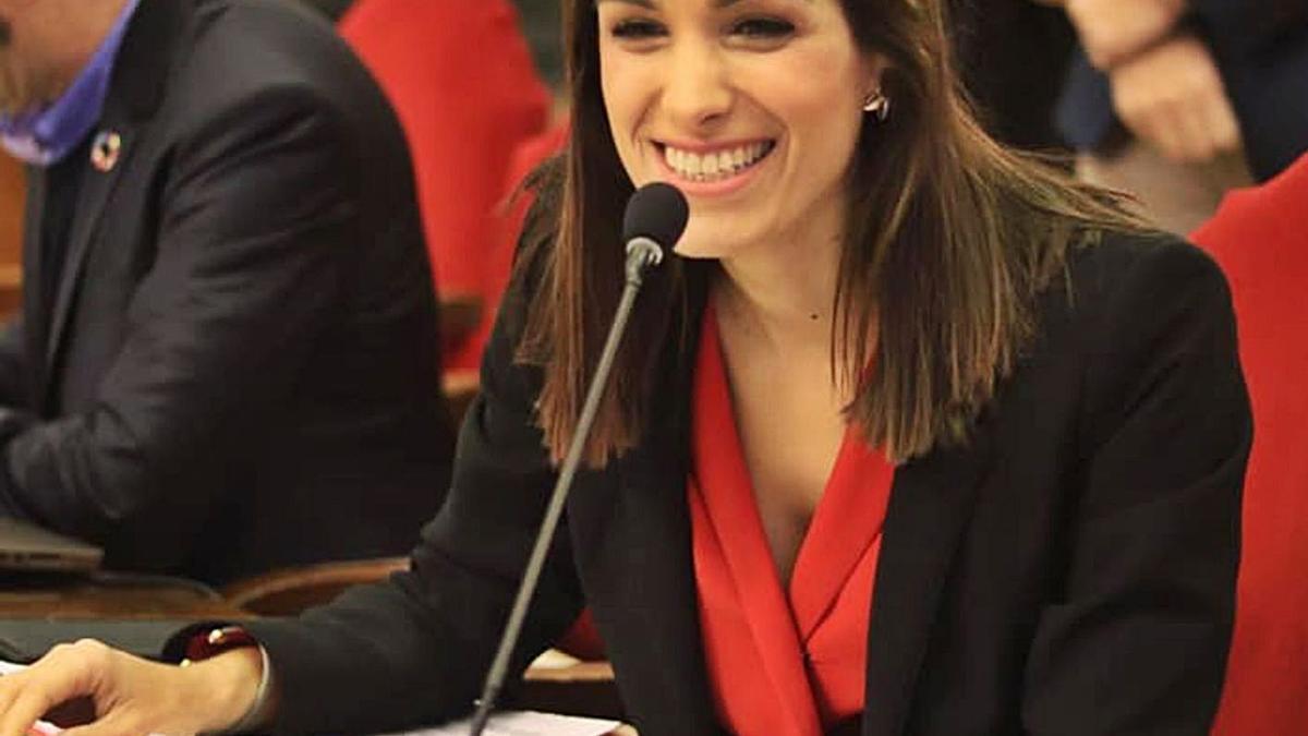 Carmen Fructuoso, concejala de Movilidad Sostenible y Limpieza Viaria.   L.O.
