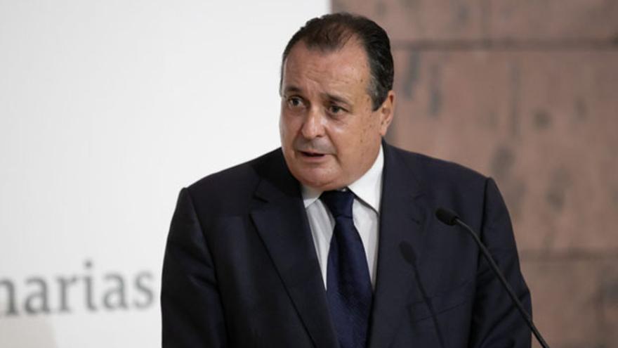 Gobierno y Comunidades aplazan la decisión sobre el toque de queda, que Canarias rechaza
