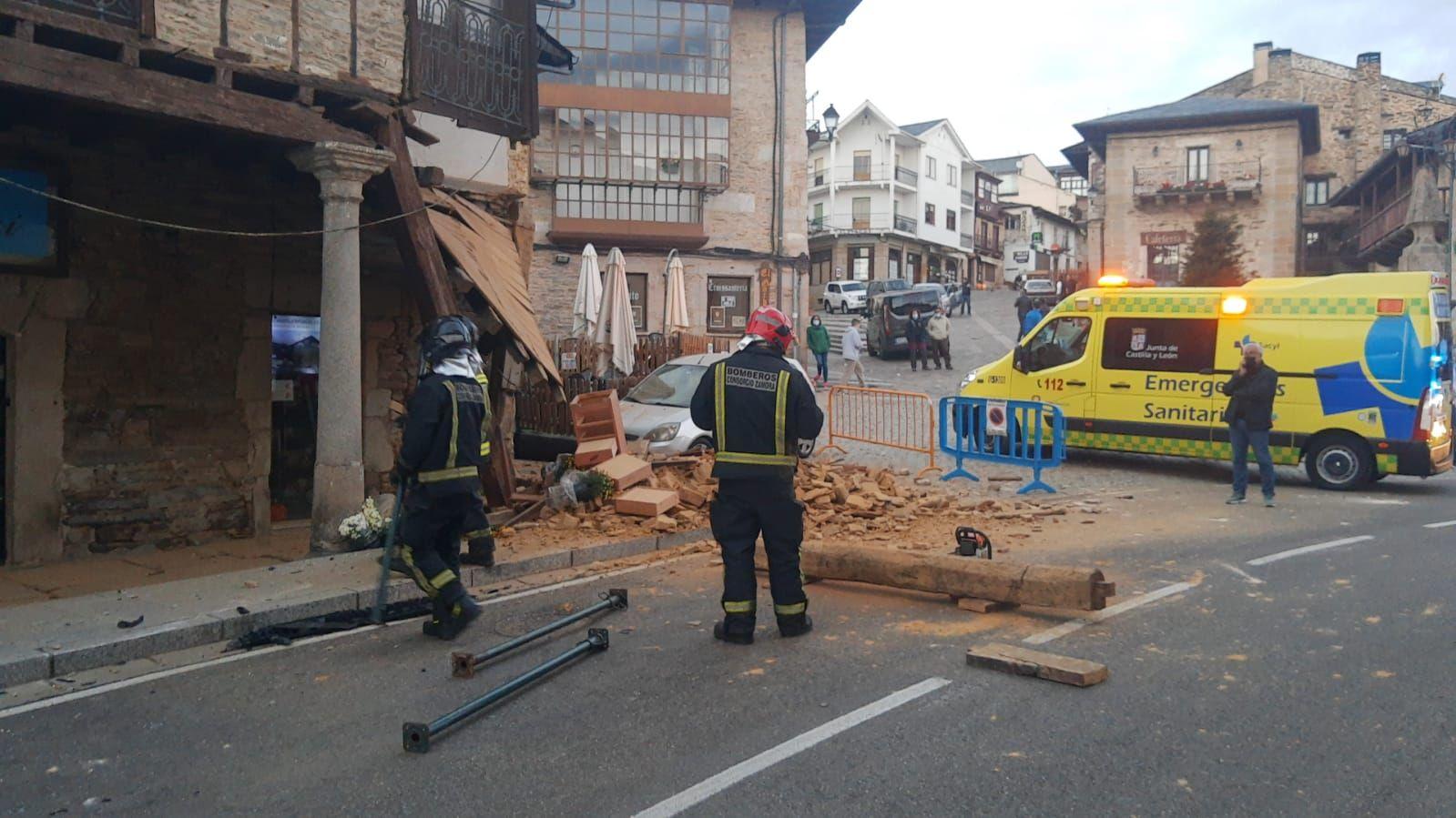 GALERÍA | Las imágenes del accidente contra una casa en Puebla de Sanabria