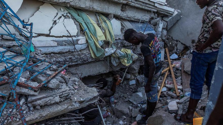 Més de 1.200 morts pel terratrèmol de dissabte a Haití