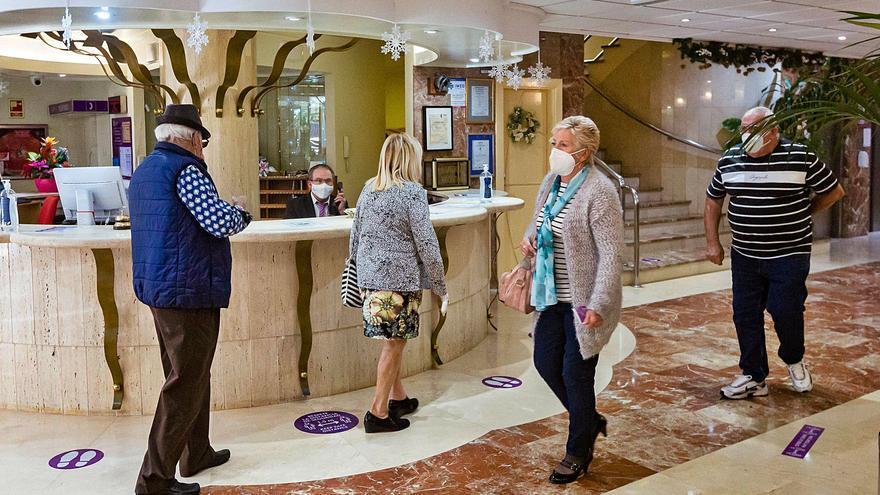 La patronal turística se resigna a no poder abrir todos los hoteles en verano