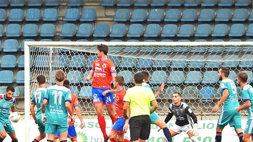 La UD Ourense empieza la temporada con un 2-0 ante el Pontellas