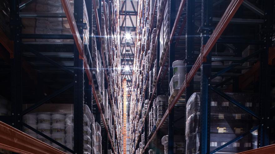 Puratos inaugura a Sils un nou magatzem automatitzat amb capacitat per a 10.000 palets