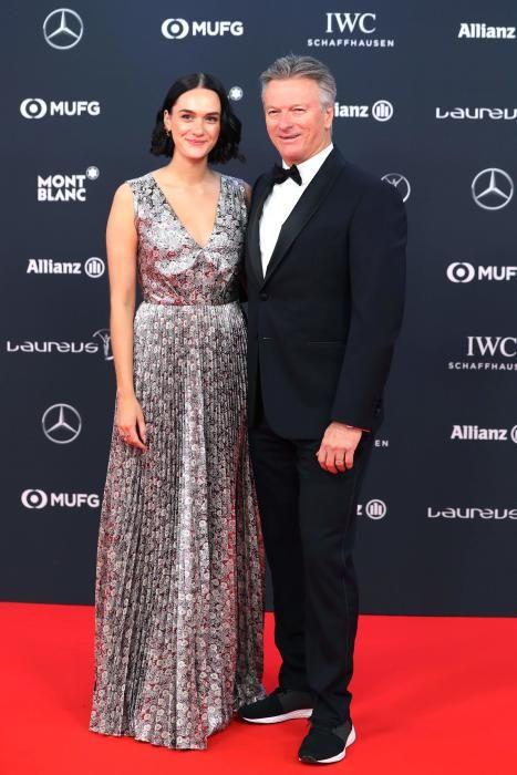 El jugador australiano de cricket Steve Waugh y su pareja.