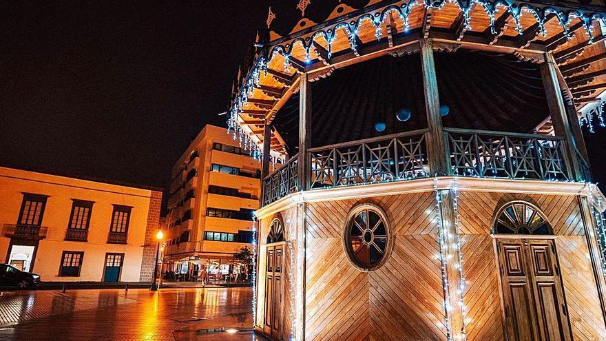 Iluminación navideña en todos los barrios de la capital
