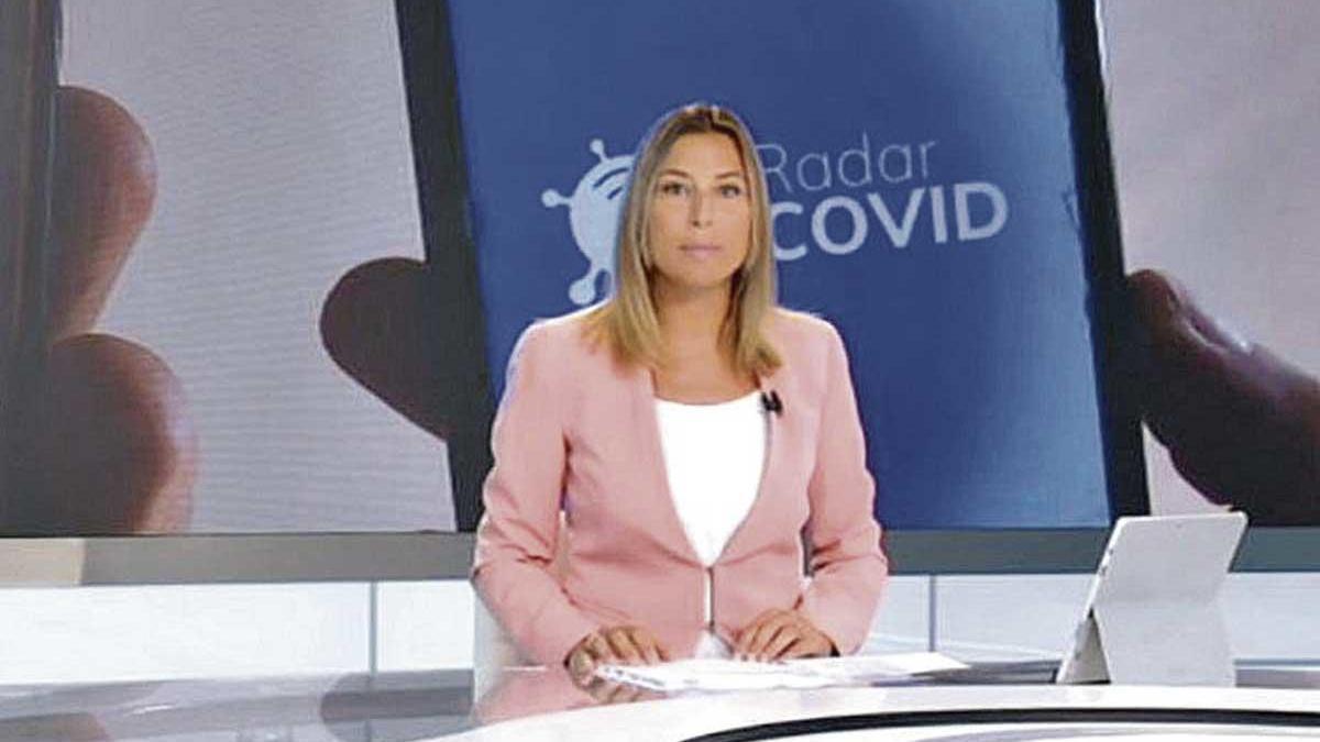 Montse Vallribera presentando el informativo de ayer.