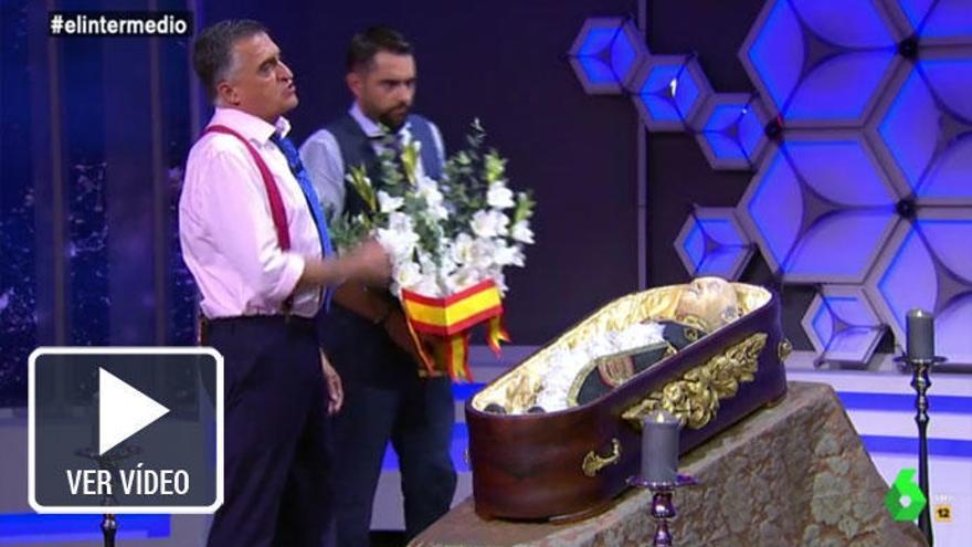 Dani Mateo se 'carga' la momia de Franco