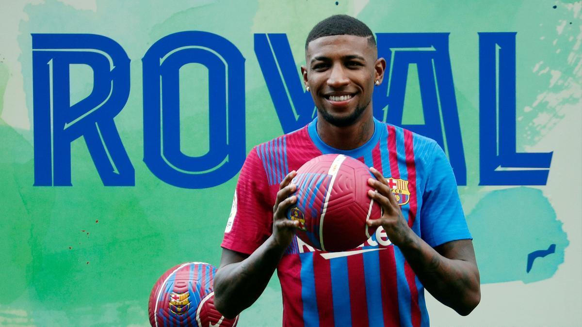 Emerson Royal, en su presentación como jugador del FC Barcelona.