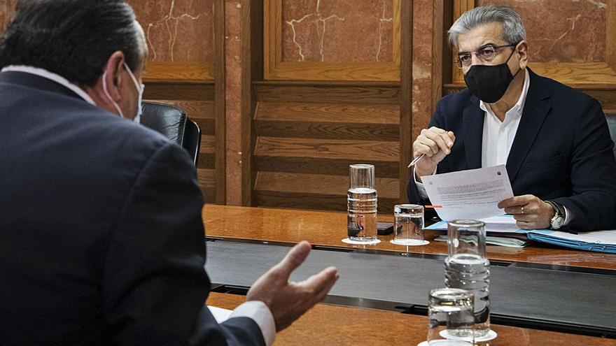 Canarias, dispuesta a abrir el debate de la armonización fiscal sin tocar su fuero