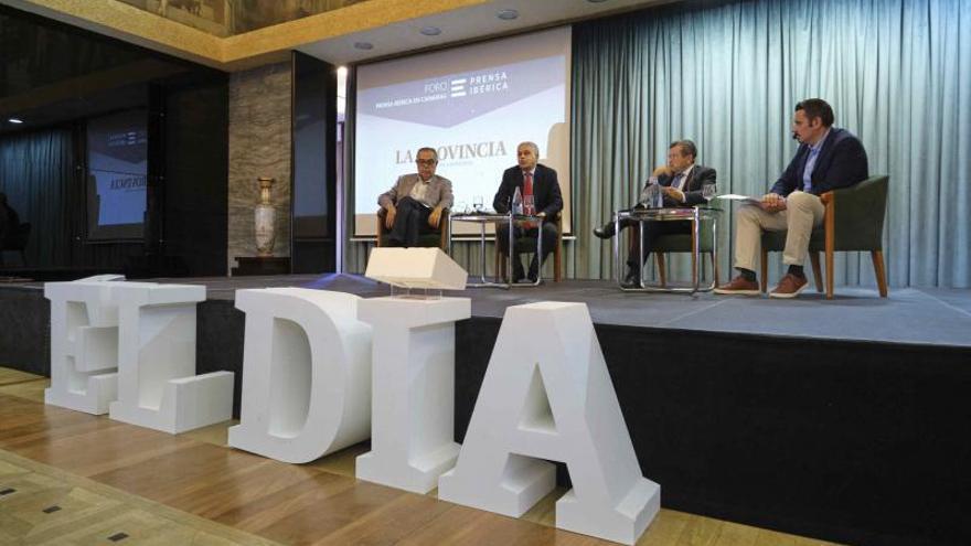 Foro sobre los fondos europeos organizado por el periódico y CaixaBank en el Casino de Santa Cruz de Tenerife.