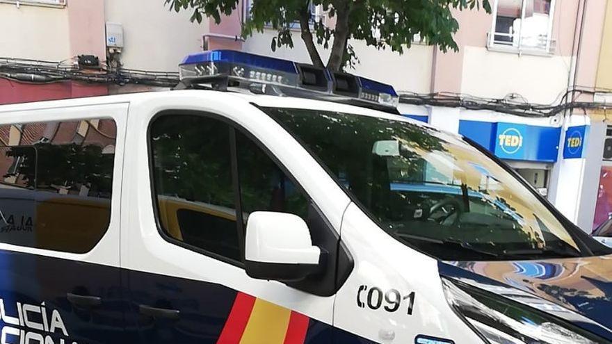 Una menor se refugia en una tienda de Zamora asustada por las amenazas tras robarle el móvil