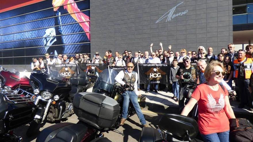 Las Harley Davidson rugen en Llanera