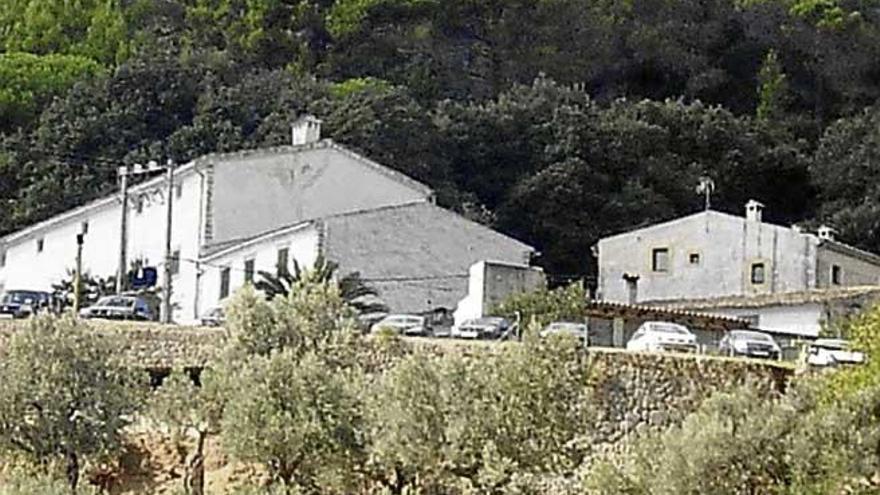 Un grupo de encapuchados roba la caja fuerte del restaurante es Verger de Alaró