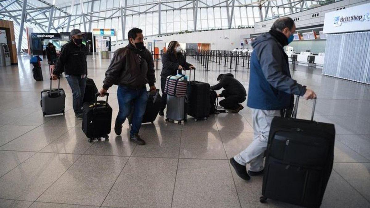 Uruguay exige a los extranjeros un visado con prueba de covid-19