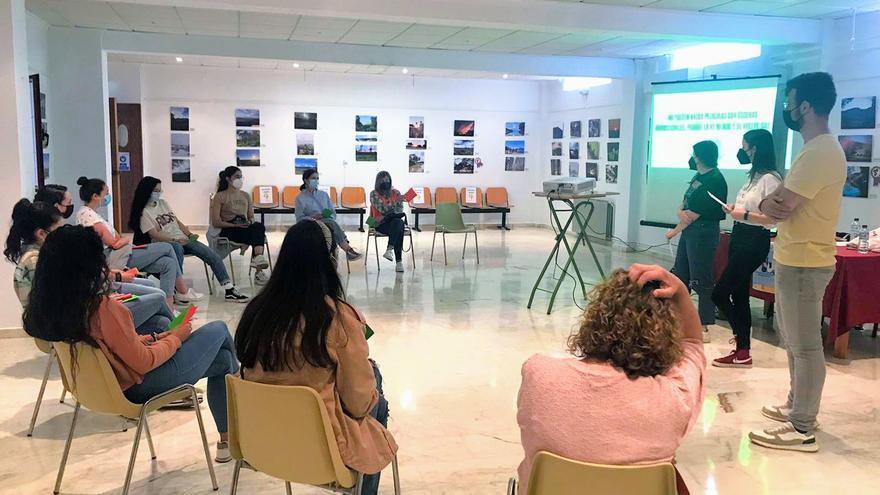 Monesterio celebra el día contra la LGBT fobia con una charla taller sobre realidades distintas