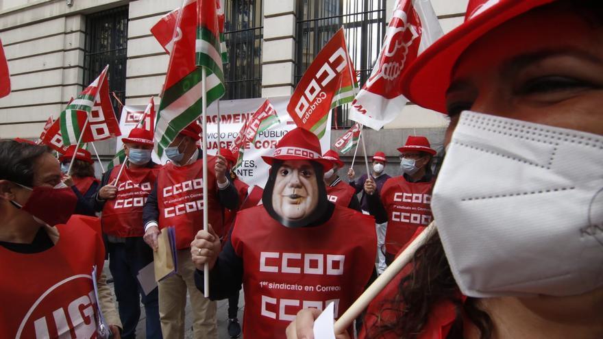 Protesta sindical de los trabajadores de Correos en Córdoba