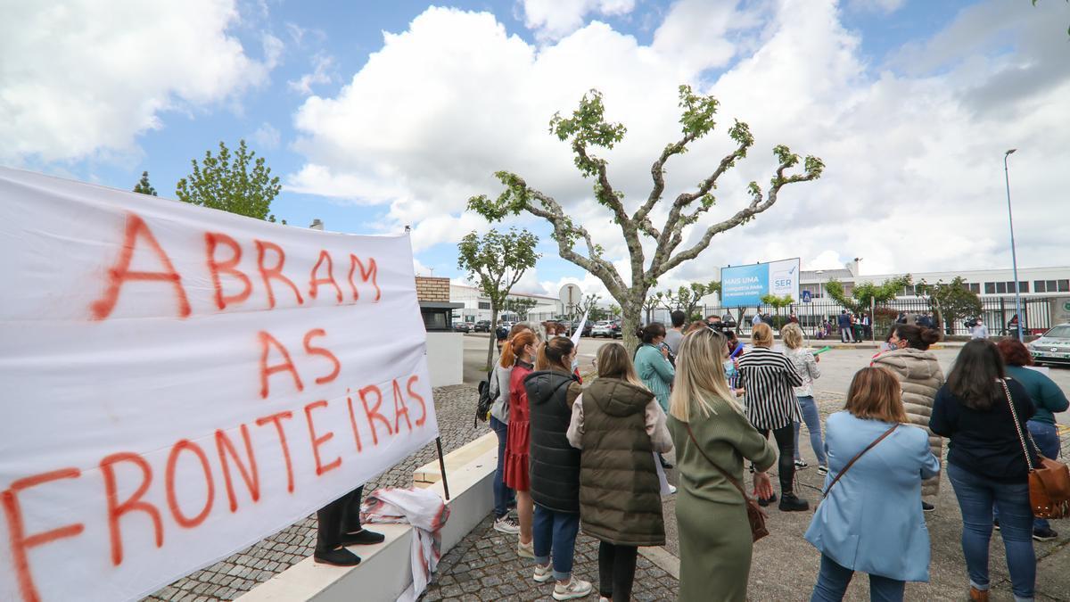 Protestas en la visita de este lunes a Valença del primer ministro de Portugal, Antonio Costa.