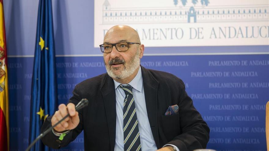 """Vox no entiende que Imbroda y Bendodo """"contradigan"""" a Moreno con el 'pin parental'"""