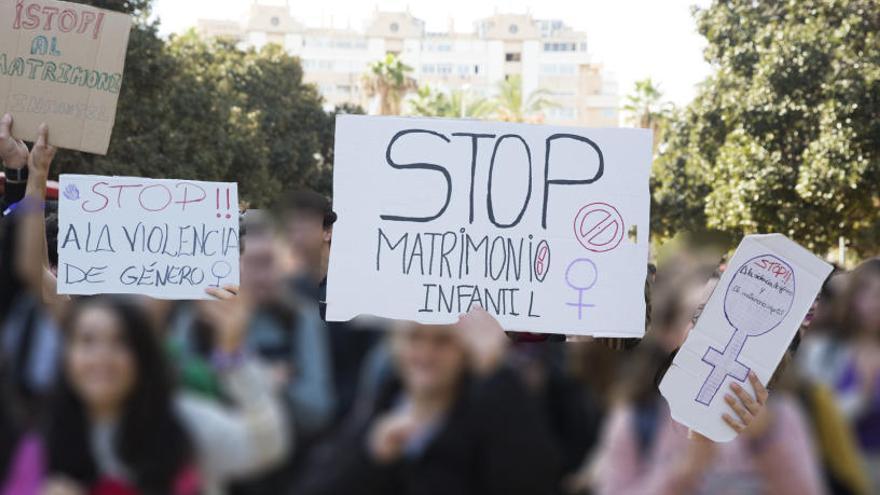 Frente del profesorado contra la campaña que exige el permiso paterno para formar sobre sexo