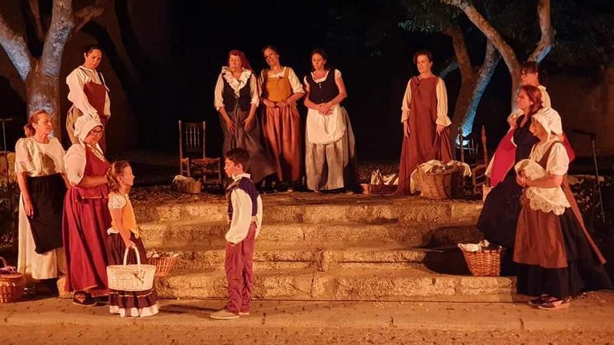 Tradición, cultura y teatro conforman el VI Festival del Tuero
