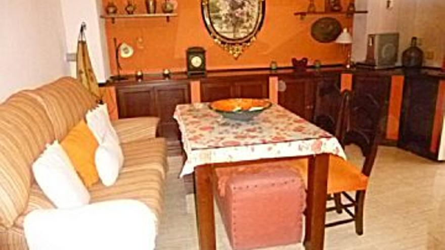 110.000 € Venta de casa en Cabra 36 m2, 3 habitaciones, 2 baños, 3.056 €/m2...