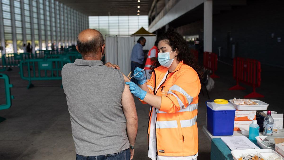 Vacunación en Ifeza contra el COVID.