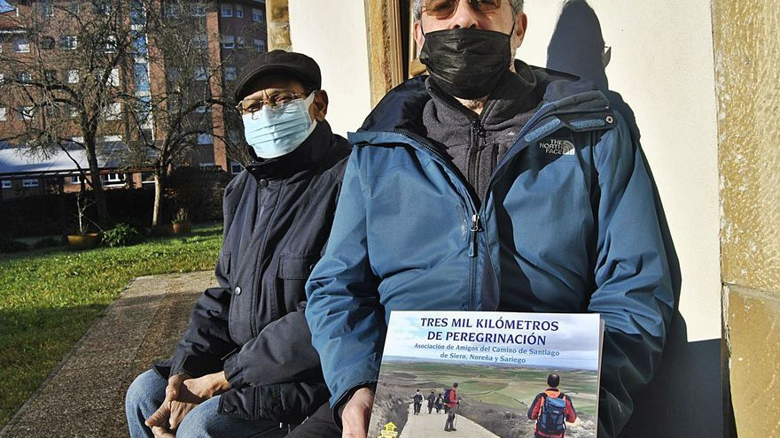Tres mil kilómetros de amistad entre la Pola y Santiago