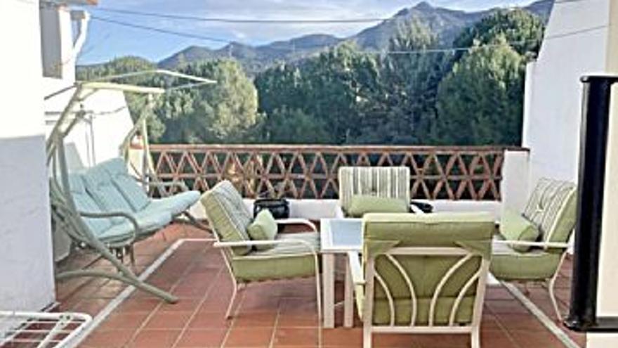 276.500 € Venta de casa en Alhaurín de la Torre 239 m2, 3 habitaciones, 3 baños, 1.157 €/m2...