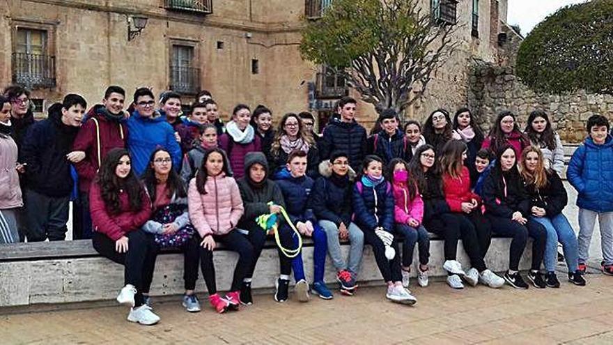 Alumnos de Los Salados participan en una programa de inmersión lingüística