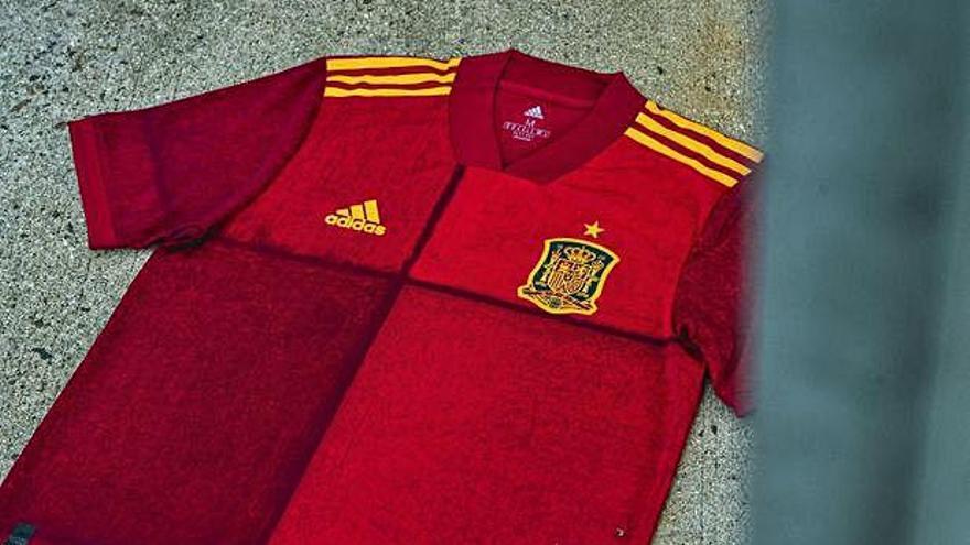 Una camiseta a cuadros para la selección