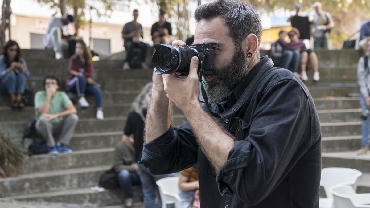 Foto de archivo de un participante en una edición del Maratón Fotográfico de Vigo.