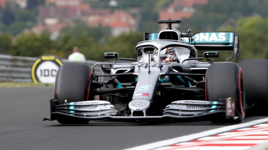 Hamilton, el más rápido en los primeros libres en Hungría