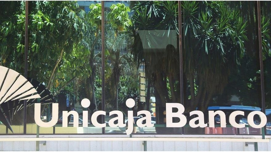 Los accionistas de Unicaja Banco y Liberbank dan 'luz verde' a su fusión
