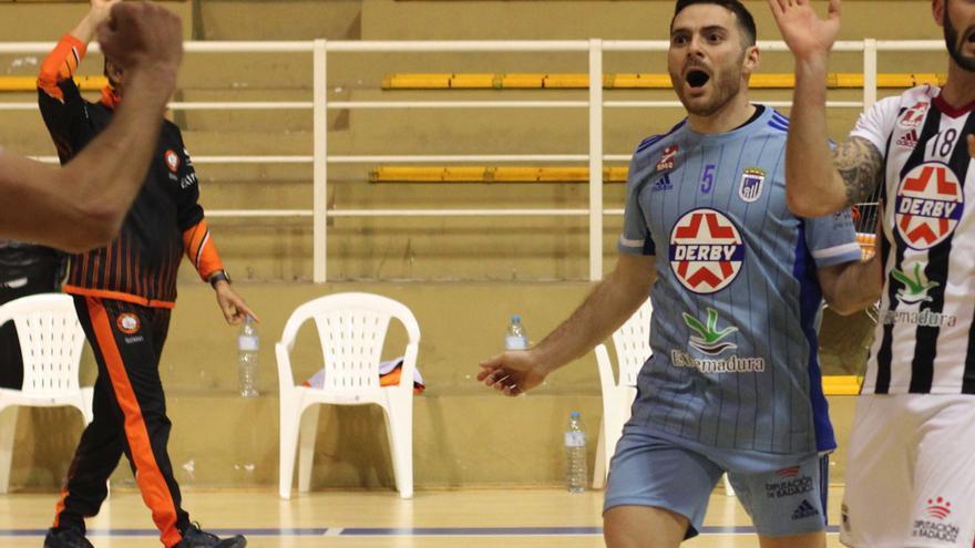 Vicente Pina renueva con el CD Badajoz Extremadura