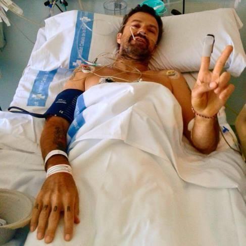Una imagen de archivo de Pau Donés ingresado en un hospital. Archivo