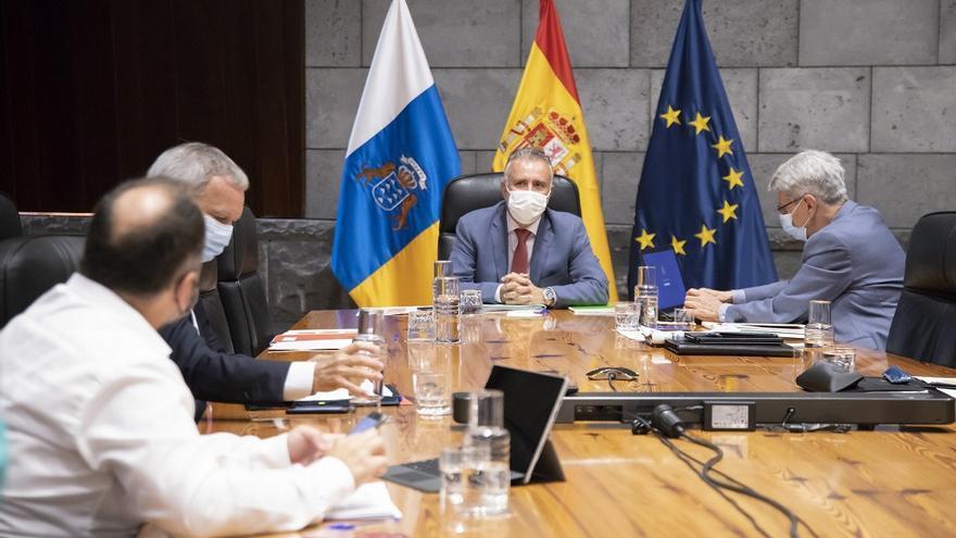 Gran Canaria baja al nivel 2 y se prepara para aplicar el registro de comensales