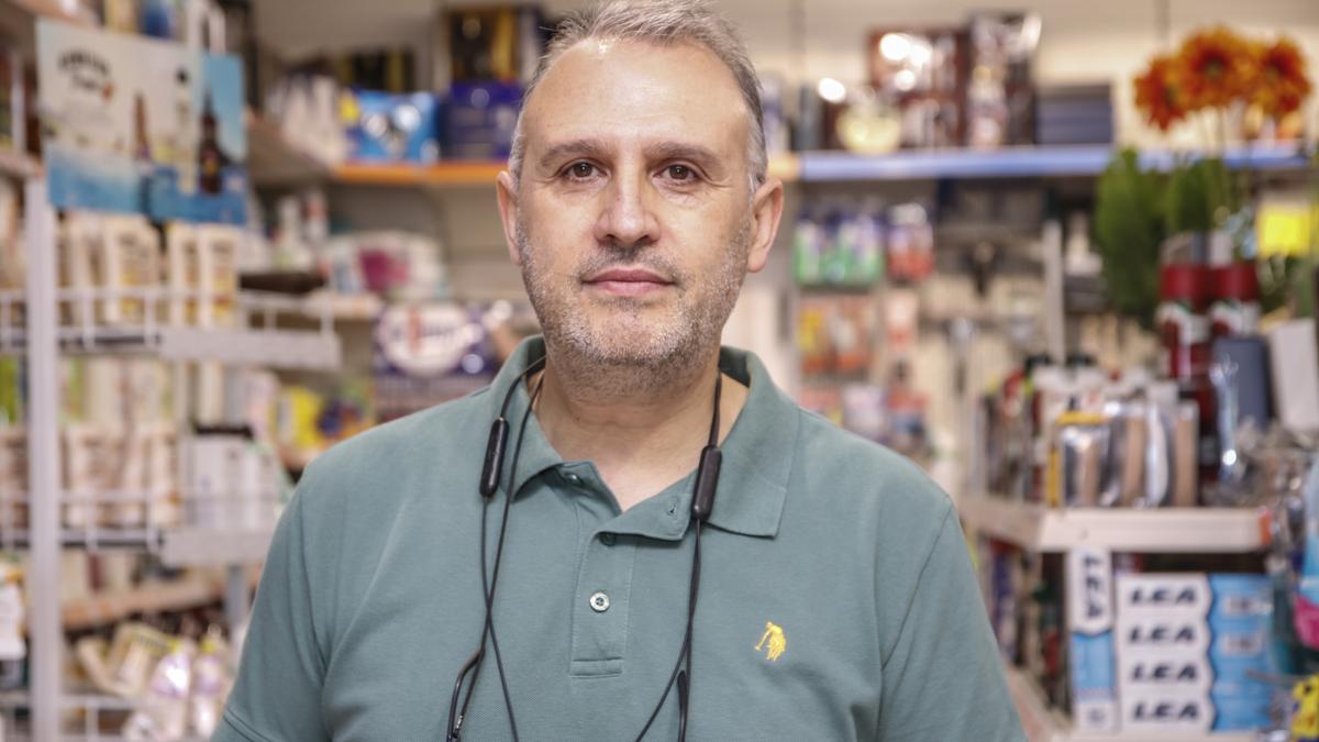 Antonio Lázaro, de droguería Toto